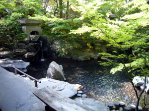 桃山風呂・露天風呂と池泉