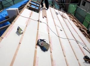 屋根外張り断熱施工